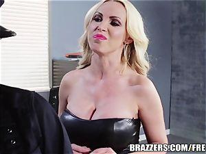 Brazzers - Rampant lesbo cops go at it